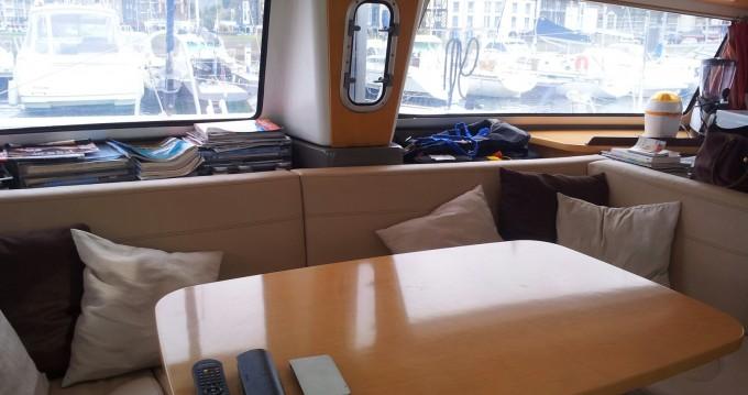 Catamarano a noleggio a Arzal al miglior prezzo