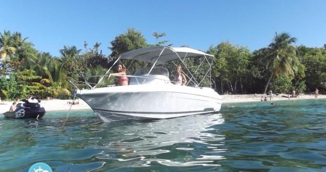 Barca a motore a noleggio a Pointe-à-Pitre al miglior prezzo