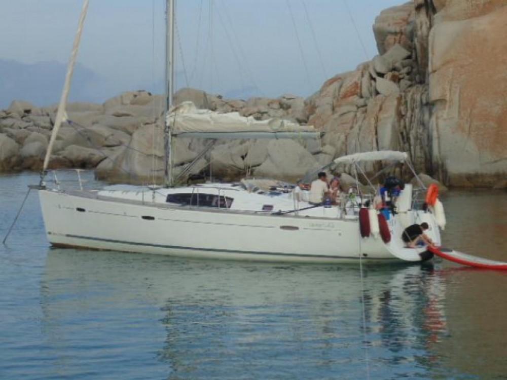 Noleggio barche Bénéteau Oceanis 43 Ajaccio su Samboat