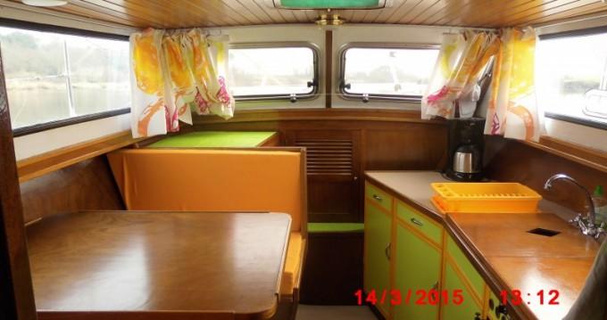 Noleggio Houseboat con o senza skipper Bravo a Redon