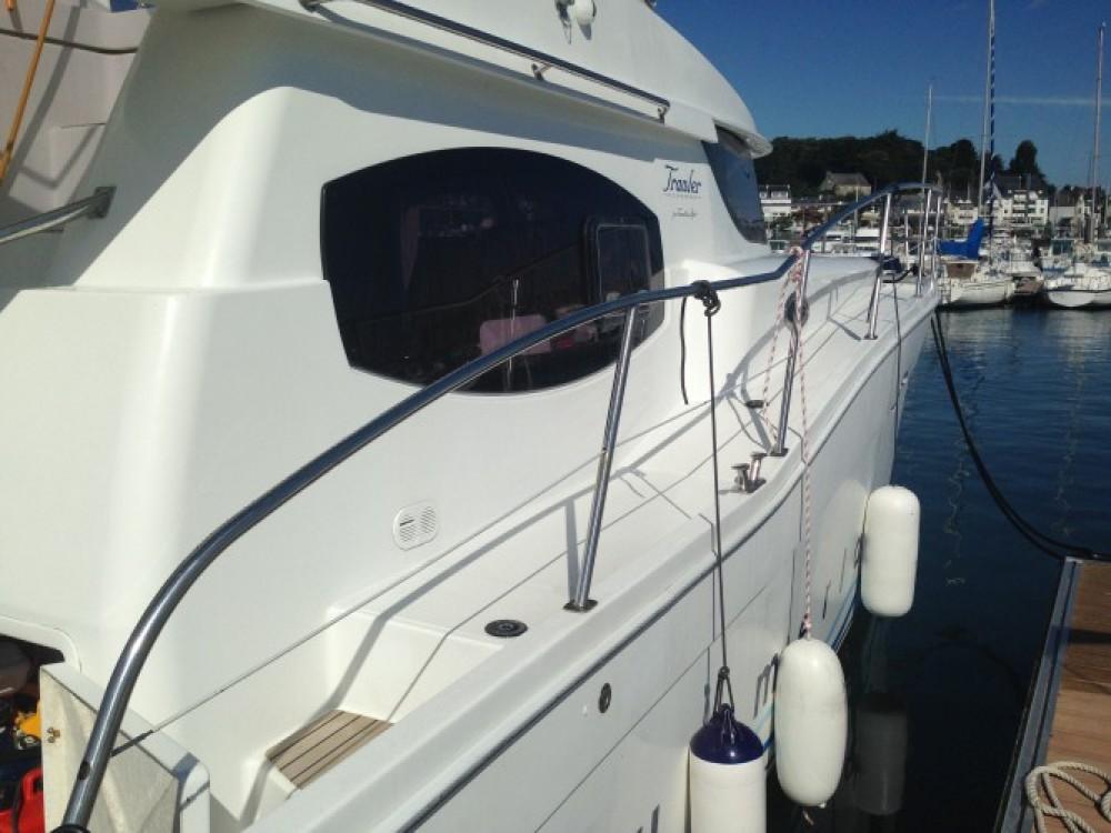 Noleggio Barca a motore Fountaine Pajot con una patente