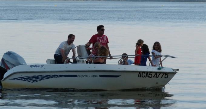 Barca a motore a noleggio a Lacanau al miglior prezzo