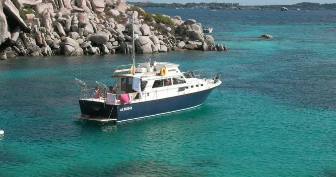 Noleggio Barca a motore Sev con patente nautica