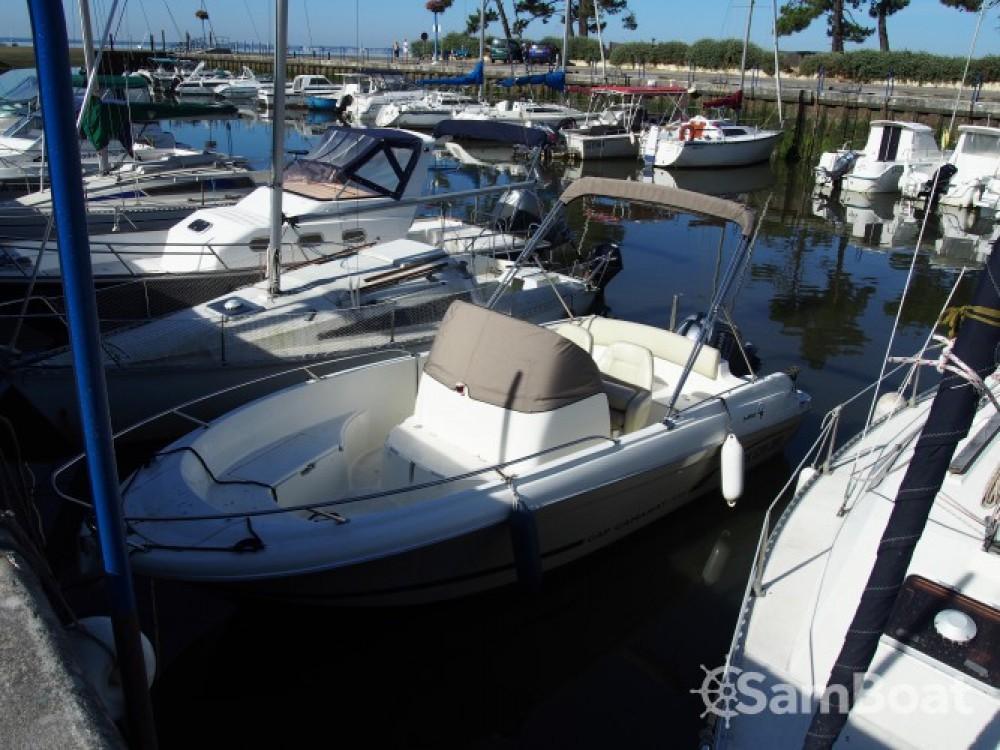 Noleggio barche Jeanneau Cap Camarat 635 Style Andernos-les-Bains su Samboat