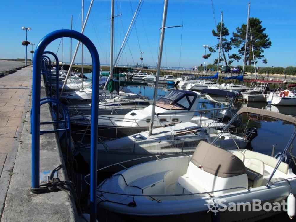 Noleggio barche Andernos-les-Bains economico Cap Camarat 635 Style