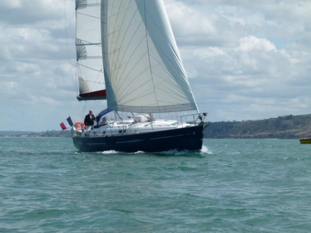 Noleggio yacht  - Bénéteau Oceanis 411 Celebration su SamBoat