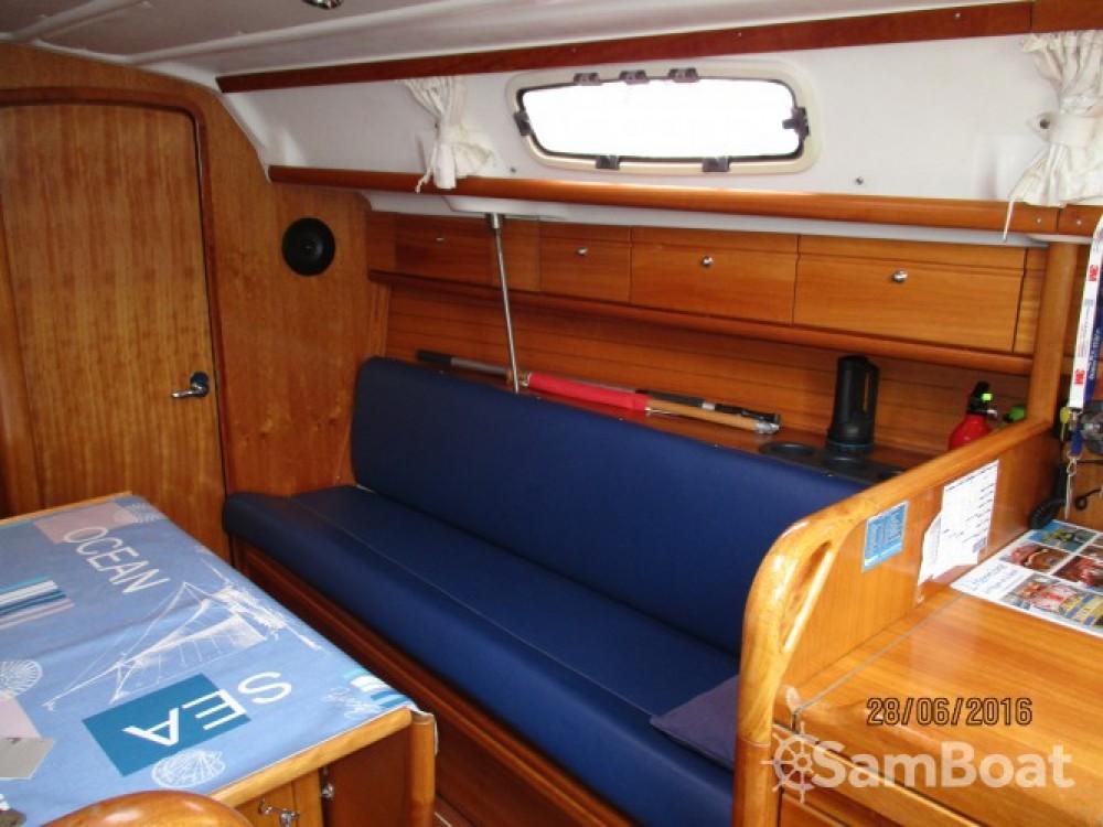 Noleggio yacht Arzal - Bavaria Cruiser 30 su SamBoat