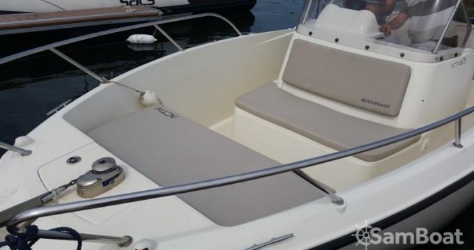 Barca a motore a noleggio a Parentis-en-Born al miglior prezzo