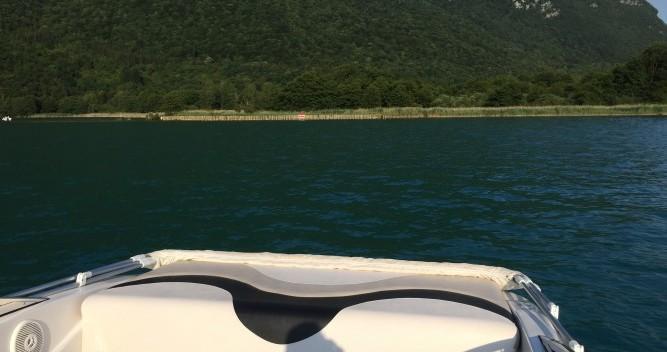 Noleggio Barca a motore Glastron con patente nautica