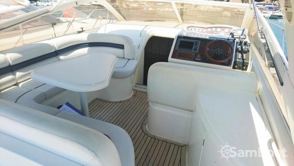 Noleggio barche Princess Princess V42 Sainte-Maxime su Samboat