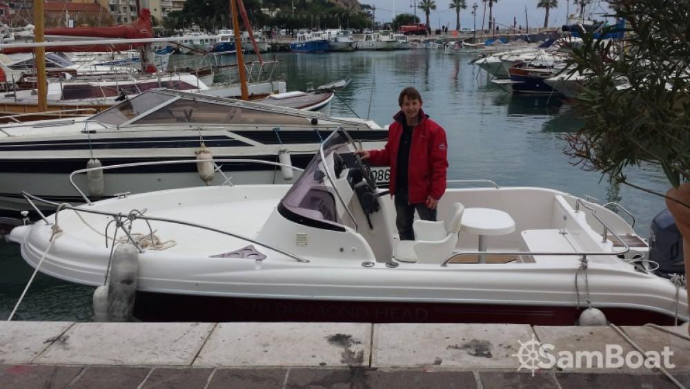 Noleggio Barca a motore Pacific Craft con una patente