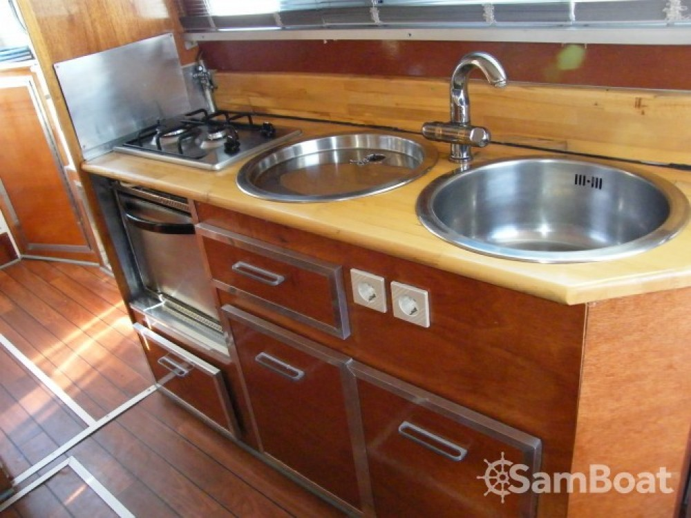 Houseboat a noleggio  al miglior prezzo