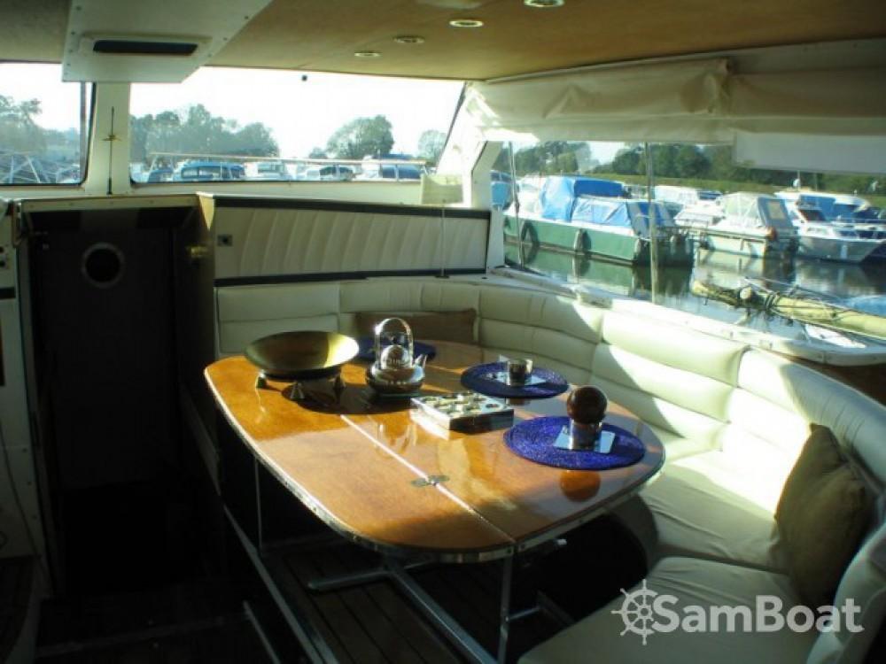 Noleggio Houseboat con o senza skipper Tuckermann