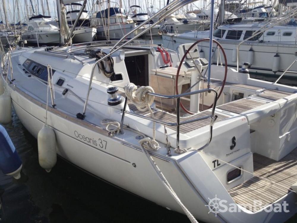 Noleggio barche Tolone economico Oceanis 37