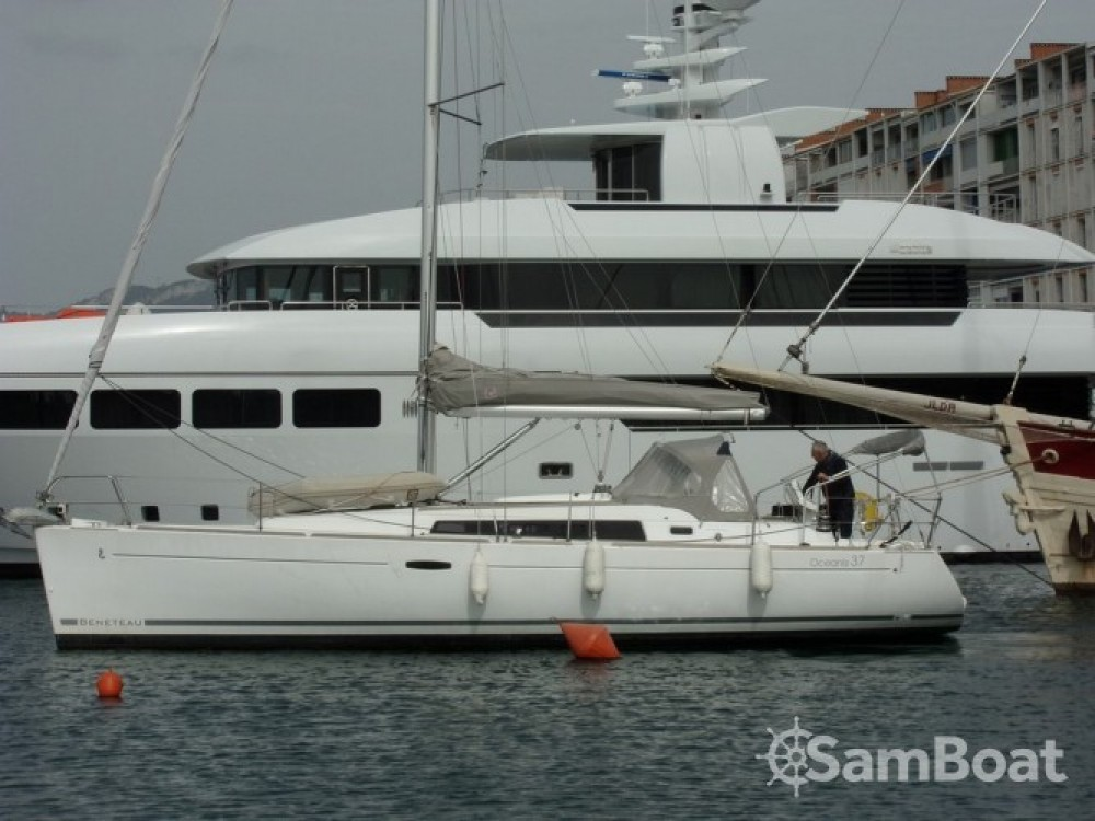 Noleggio yacht Tolone - Bénéteau Oceanis 37 su SamBoat