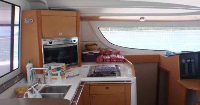 Noleggio Catamarano a Le Marin – Fountaine Pajot Lipari 41
