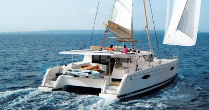 Noleggio Catamarano Helia con patente nautica