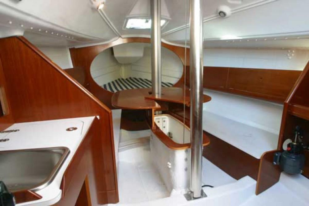 Noleggio yacht La Rochelle - Bénéteau First 27.7 su SamBoat
