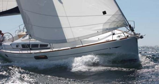 Noleggio barche Jeanneau Sun Odyssey 44i a Siouville-Hague su Samboat