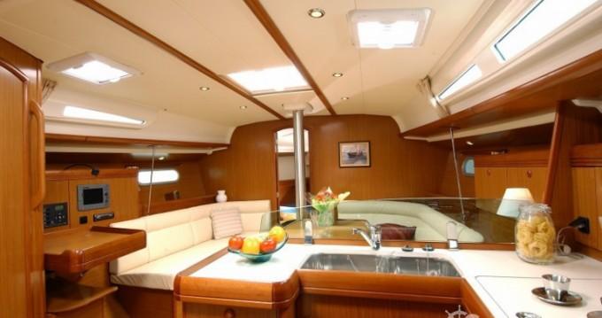 Noleggiare una Jeanneau Sun Odyssey 42i a Le Marin