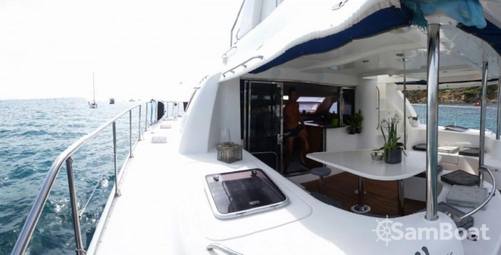 Noleggio Barca a motore con o senza skipper Robertson and Caine Bormes-les-Mimosas