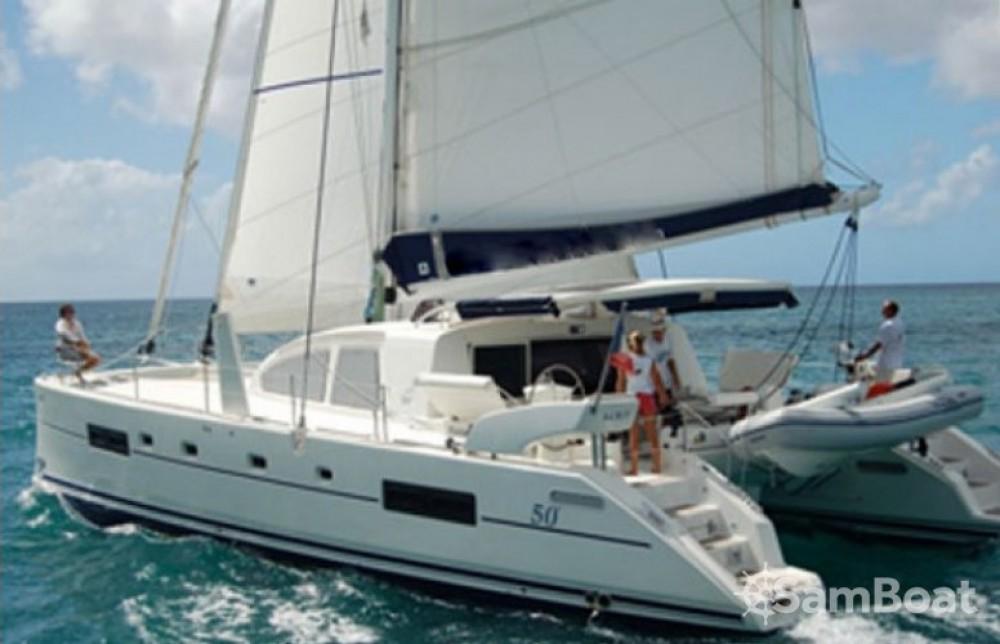 Catamarano a noleggio Marigot al miglior prezzo