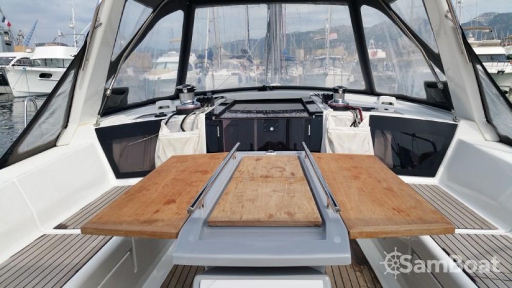 Noleggio barche Tolone economico Oceanis 41