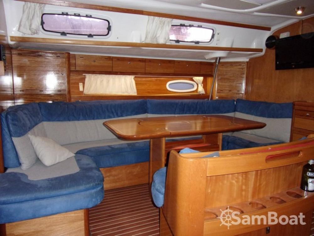 Noleggiare un'Bavaria Cruiser 50 Tolone
