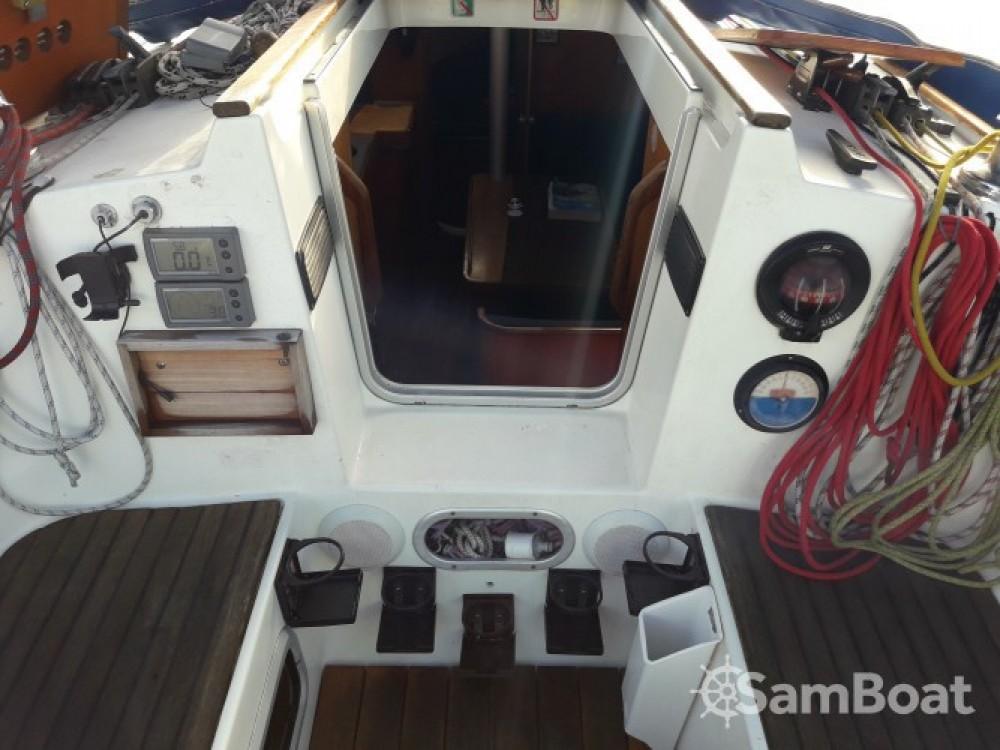 Noleggio barche Bénéteau Oceanis 320 Royan su Samboat