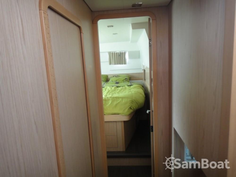 Noleggio barche Lagoon Lagoon 400 S2 Propriano su Samboat