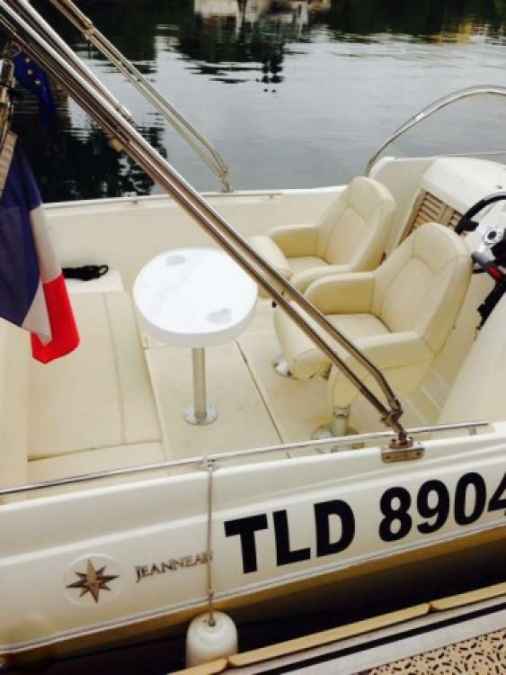 noleggio Barca a motore Cannes - Jeanneau Cap Camarat 635
