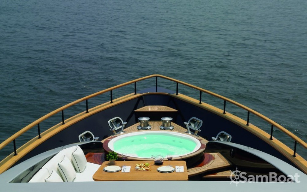 H-Luxury-Yachting Luxury Yachting tra personale e professionale Cannes