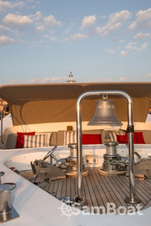 Noleggiare un'International-Shipyard Ancona Cannes