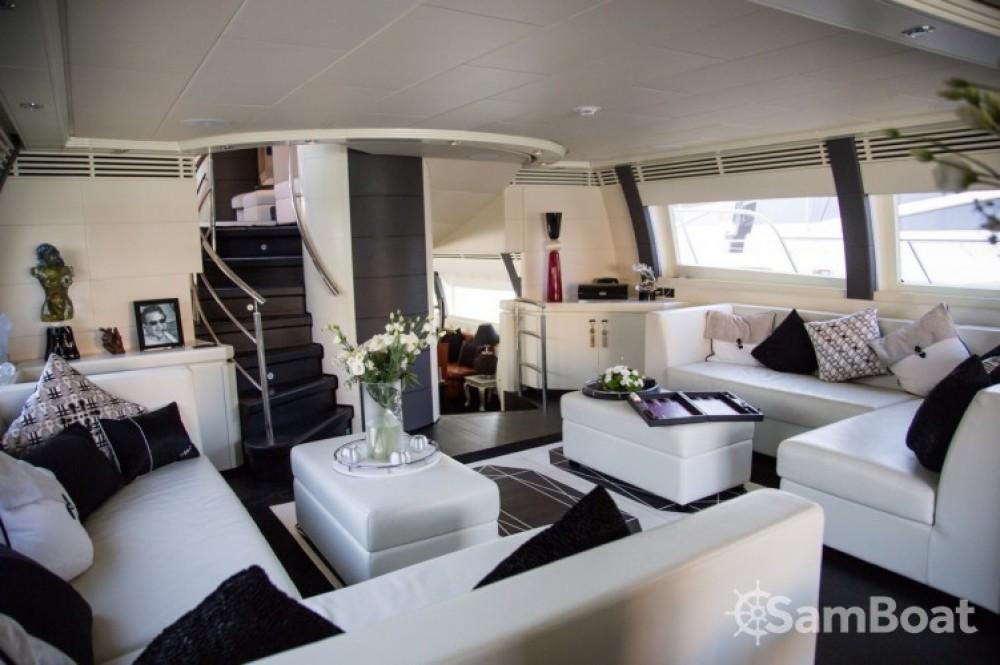 Noleggio Yacht International-Shipyard con una patente