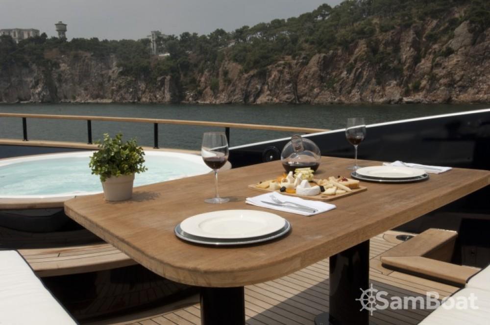 Noleggio Yacht H-Luxury-Yachting con una patente