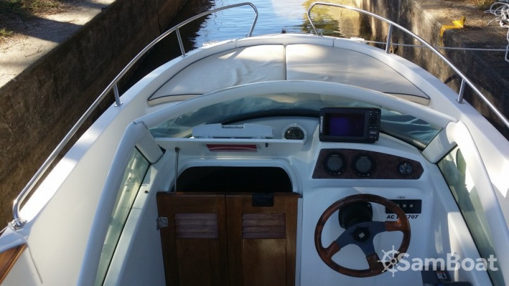 Noleggio barche Arcachon economico Ombrine 630