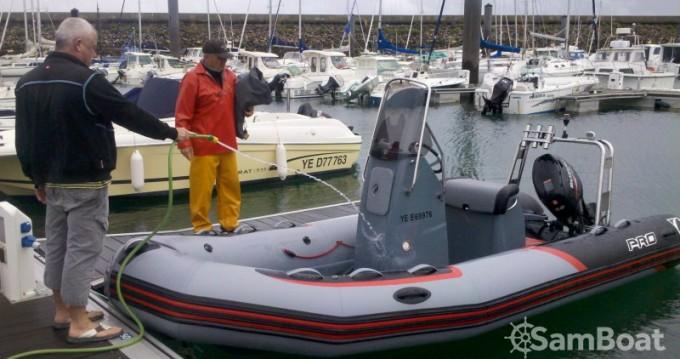 Noleggio barche Zodiac PRO RACING 5. a L'Île-d'Yeu su Samboat
