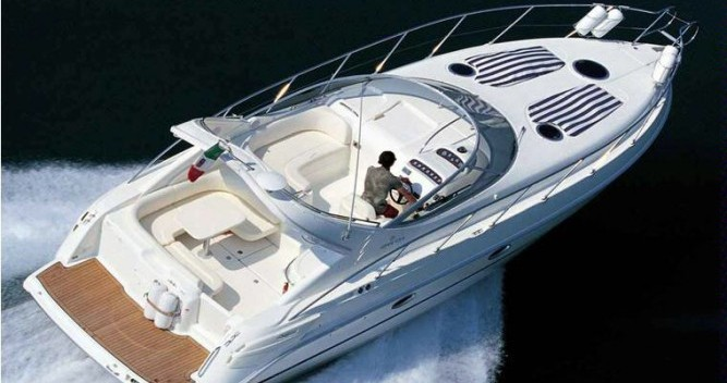 Noleggio Barca a motore a Beaulieu-sur-Mer – Cranchi Zaffiro 34