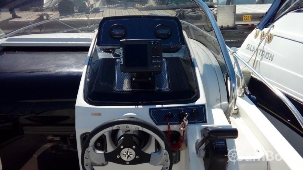 Barca a motore a noleggio Nizza al miglior prezzo