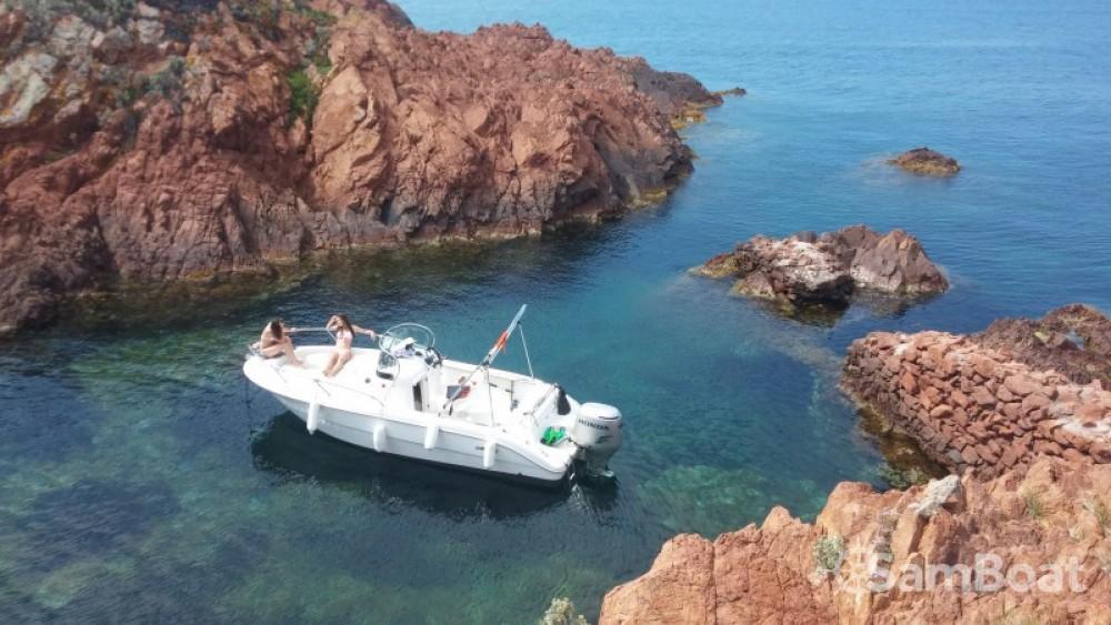 Noleggio Barca a motore con o senza skipper Sessa Marine Saint-Raphaël