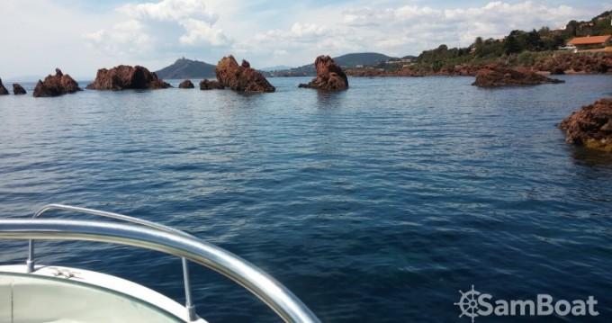 Noleggio Barca a motore con o senza skipper Sessa Marine a Saint-Raphaël