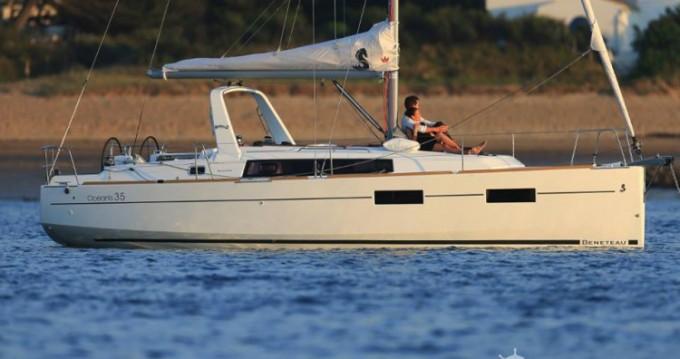 Bénéteau Oceanis 35 tra privati e professionisti a Arzon