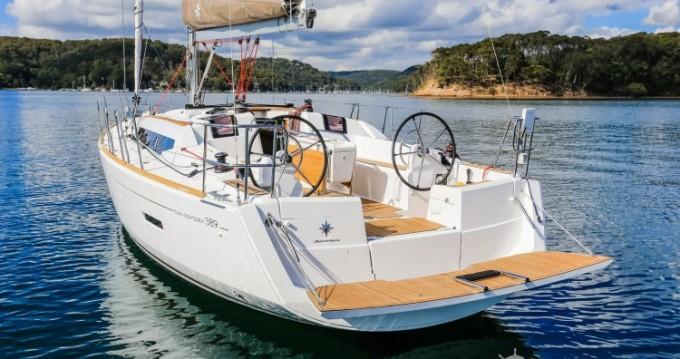 Noleggiare una Jeanneau Sun Odyssey 389 DL a Port du Crouesty