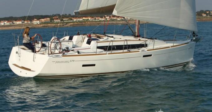 Noleggiare una Jeanneau Sun Odyssey 379 Dl a Arzon