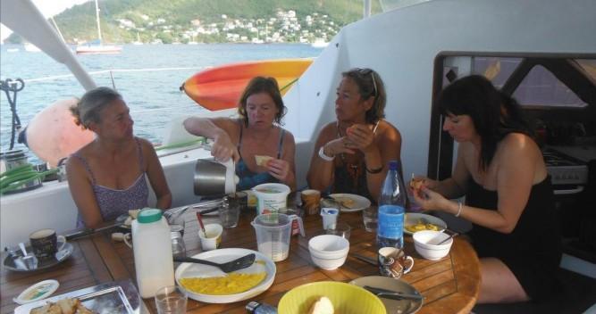 Noleggio Catamarano a Le Marin – Catana Catana 411
