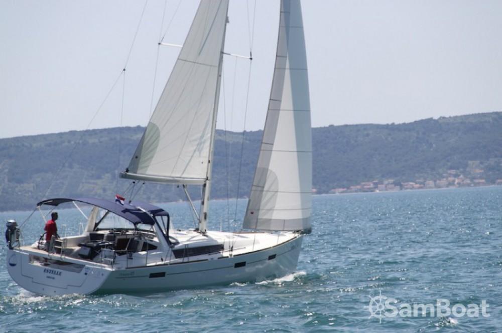 Barca a vela a noleggio Kaštel Gomilica al miglior prezzo