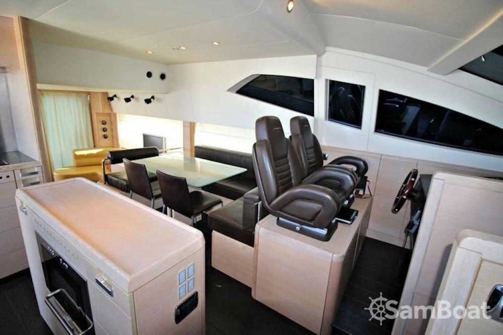 Noleggio yacht Capocesto - Aicon-64-Fly  su SamBoat