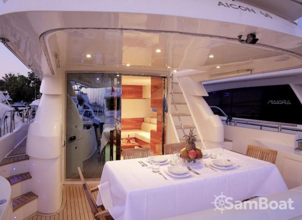 Noleggio barche Aicon-64-Fly  Capocesto su Samboat
