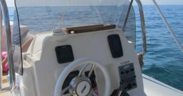 Noleggio barche Hyères economico Clubman 23