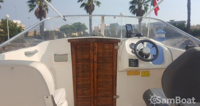 Barca a motore a noleggio a Isla Cristina al miglior prezzo